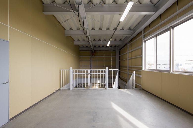 42.(株)エイコウサービス車庫棟 荷捌きスペース